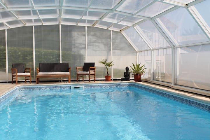 Grande Maison  avec piscine - Rayet - บ้าน