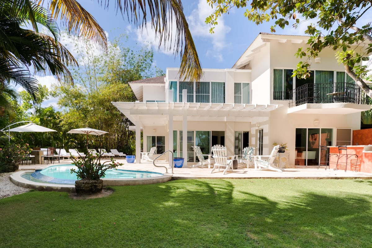 Sun Beach and Golf at Tropical Paradise Villa in Tortuga Bay
