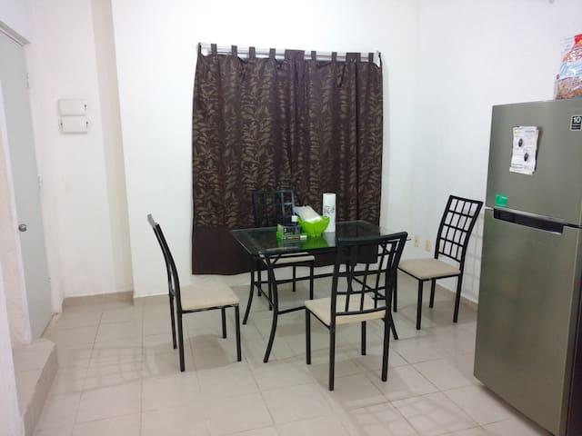 Beautiful House Cancun downtown whit A/A + wifi - กังกุน - บ้าน