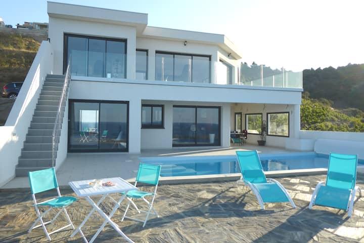 VUE MER spectaculaire!!Appartement villa neuve.