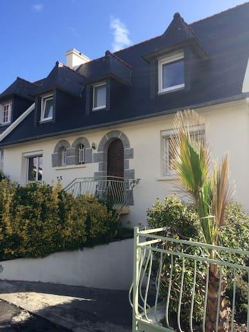 Maison 8 personnes vue mer. - Brest - House