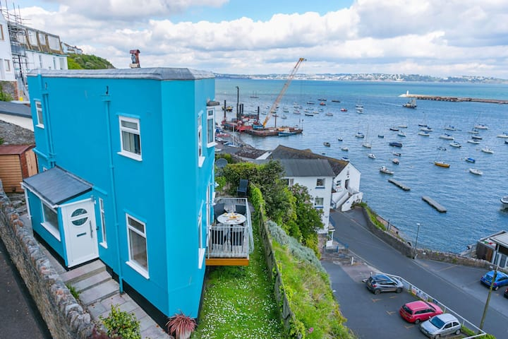 Cliff Cottage - A quirky house with fantastic views across Torbay
