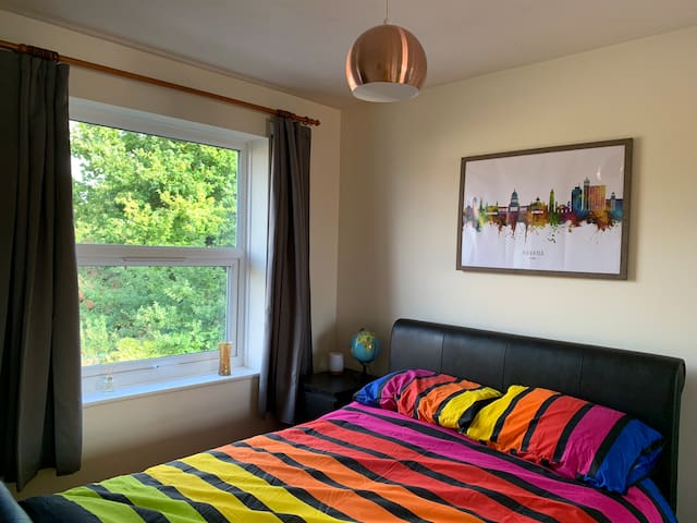 1) BIG double bedroom in central didcot