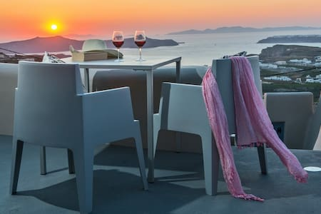 HEATED JACUZZI  CALDERA AND SEA SUNSET VIEW - Pyrgos Kallistis - Pis