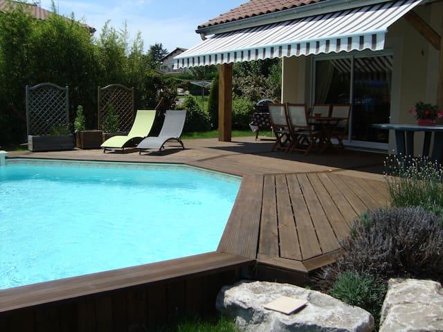 Villa piscine privée : Sorbiers (Rhone Alpes) 42 - Sorbiers - Casa