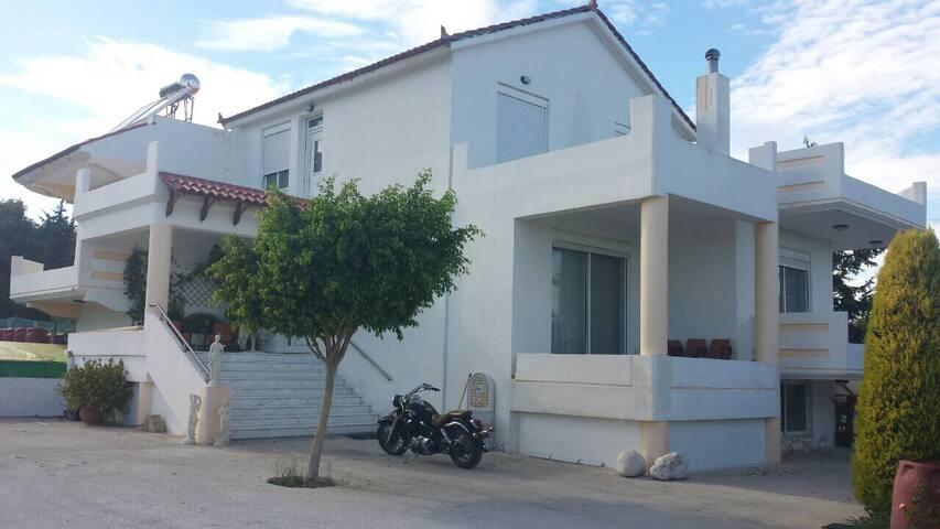 Villa DiSarli