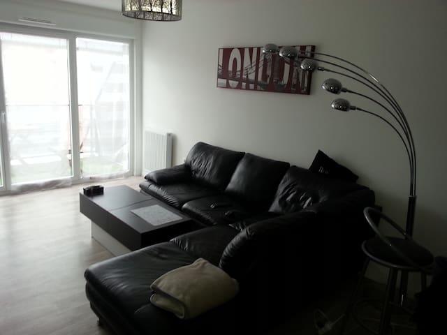Appartement F2 de charme - Colombelles - Huoneisto