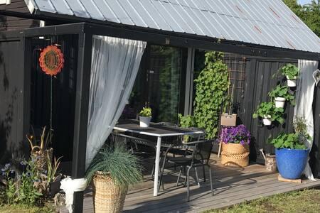 Charmigt gårdshus i Visby
