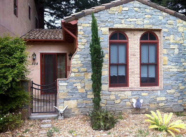 Italian Cottage by Stanford - Menlo Park - Casa