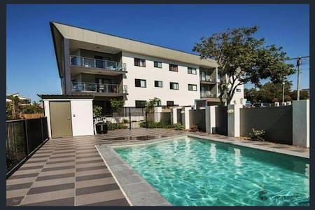 3 Bedroom Holiday Apartment near the water