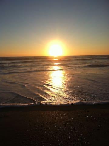B-side Beach Bungalow - St Augustine Beach - Casa