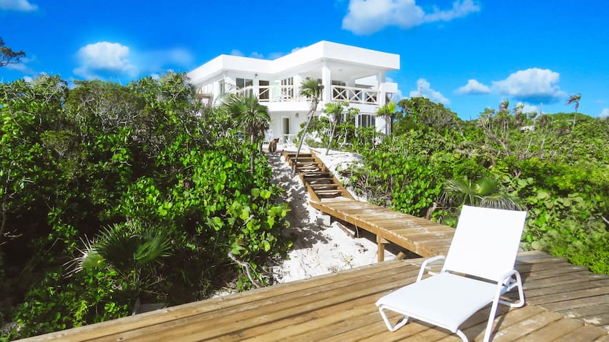 White Ocean Coral – Private Beach Villa