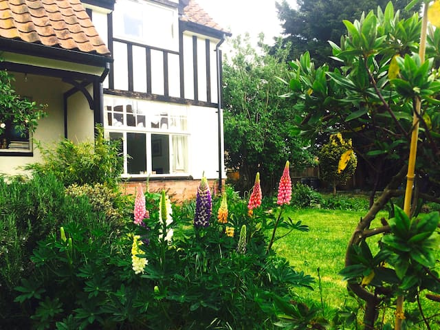 Cosy getaway nr Southwold. 15 min walk to beach