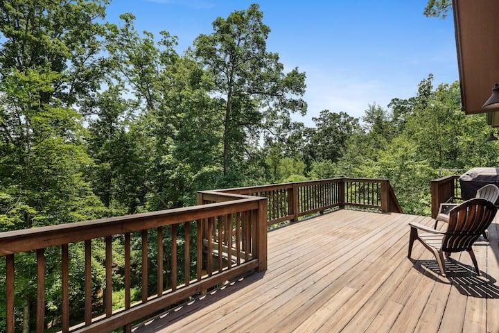 Tree House on The Ridge - Mr Lake Lure Vacation Rentals