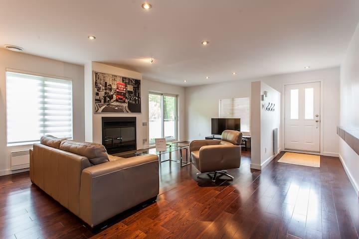 Luxury Montreal  Home Quiet Area - Montréal - Apartment
