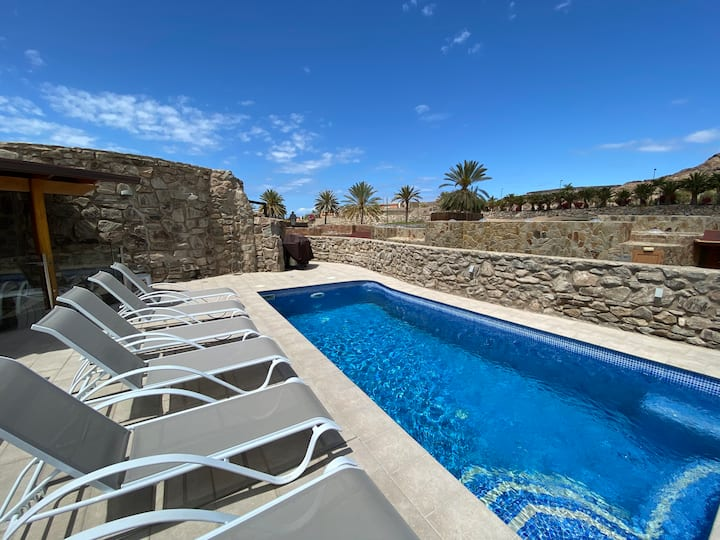 Villa with private heated pool in Anfi Tauro Golf