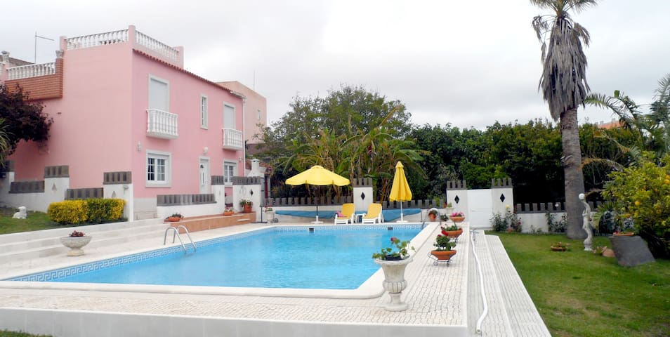 Apartment near beach + pool - Atalaia de Cima - Huis