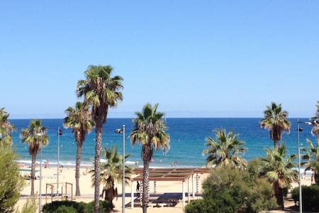 First line of Sea and Beach Apartment in Tarragona