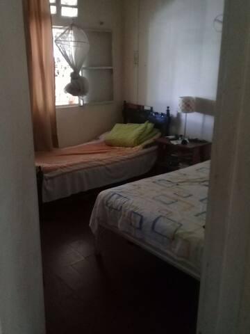 Confortable habitacion en casa de familia