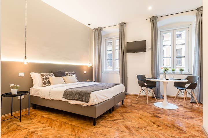 Amazing Studio in the City Center with Free WIFI