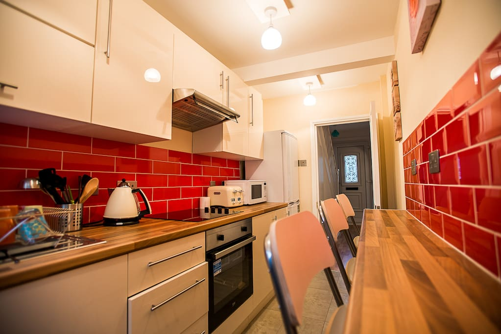 Shared kitchen includes cooking facilities, fridge freezer