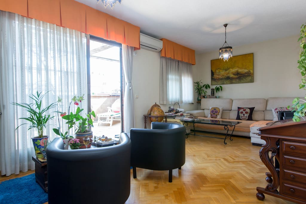 Bright penthouse in the heart madrid - The penthouse madrid ...