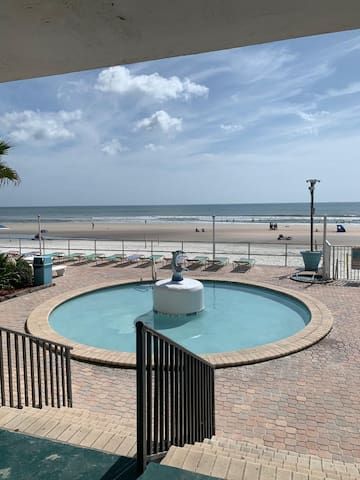 Direct Ocean Front Daytona Beach Inn