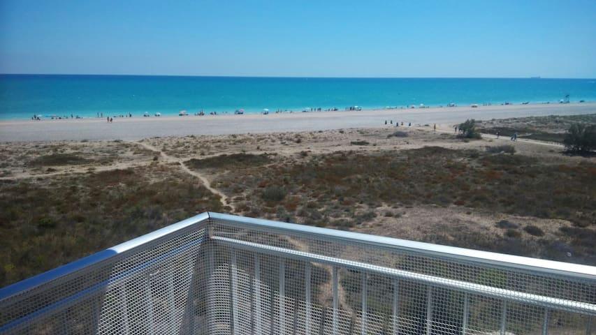 Apto. en 1a línea playa con impresionantes vistas. - Sagunto - Appartement