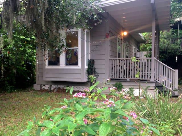 Garden House near Orlando's cultural hub