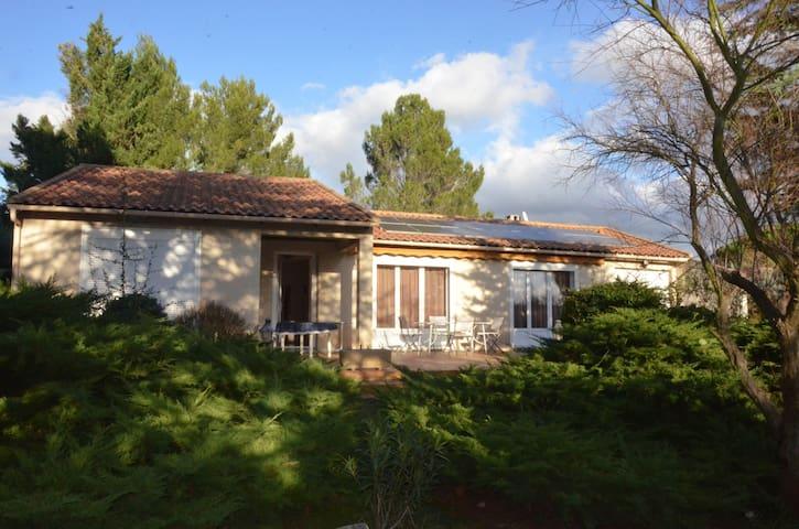 Villa confortable bien entretenue - Cabriès - House