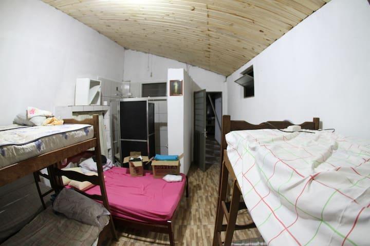 Casa & hospedagem Maria Porta do Céu - Cachoeira Paulista - Huis
