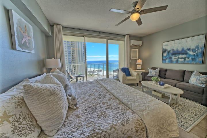 Shores of Panama 906~Gulf Front Studio Suite~Sleeps 4~Ocean View