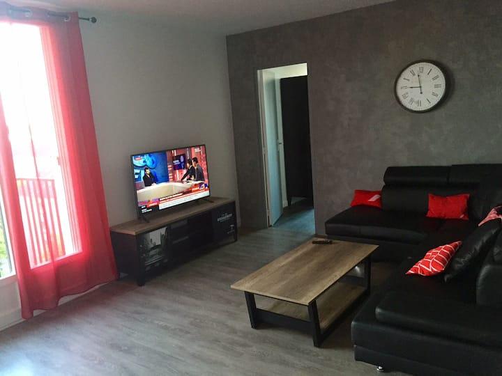 Chambre dans grand appartement équipé à Compiegne