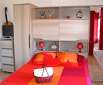 Chambre avec accès direct terrasse - Toulon