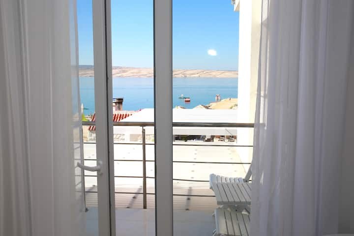 Beautiful sea view room - 25