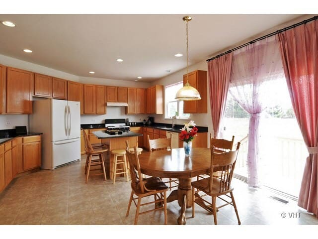 PrivateRoom near Argonne, fermi lab - Bolingbrook - House