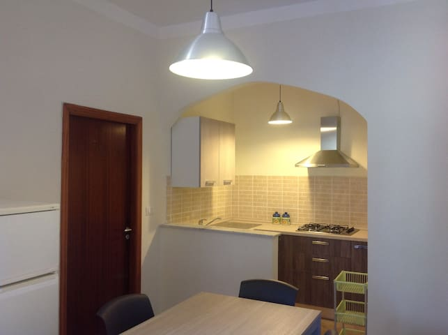Appartamento con ampio terrazzo - Palinuro - Apartemen