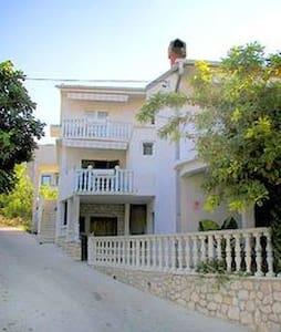 Apartment A5 - Metajna - Apartment