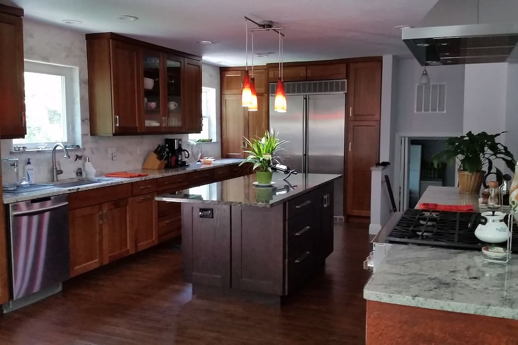 Full use of gourmet kitchen
