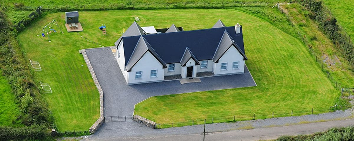 8 Gables,  Self Catering, Sligo - Lissadell - Ev