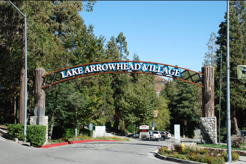 The Bunkhouse is located on the same highway as the entrance to the beautiful historic Lake Arrowhead Village