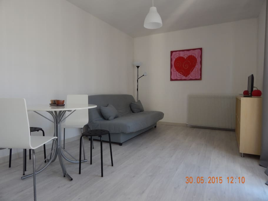 T1 intra muros meubl tout confort appartements en for Location meuble avignon