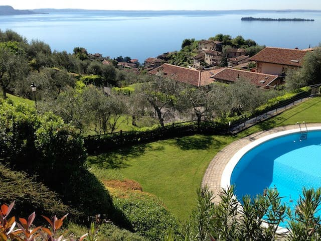 Villa Patio, amazing lake view - Gardone Riviera - Apartemen