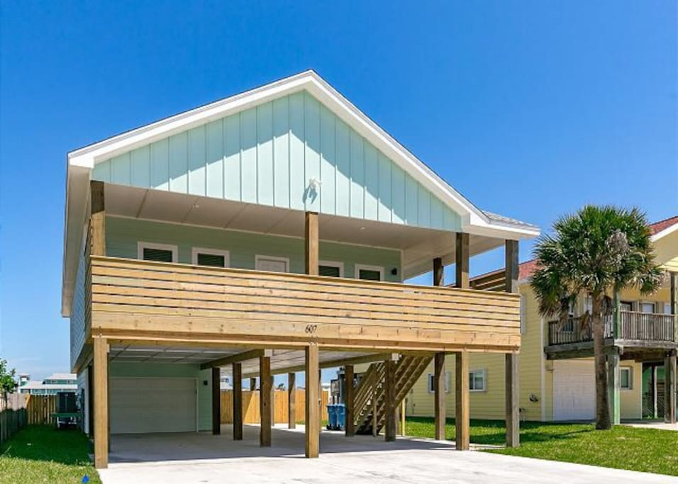 3 Bedrooms, 3 Bathrooms, Private Pool, Oversized Deck, Ample Parking, Views, Boardwalk to the Beach, 1 Block from the Beach