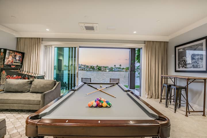 Clearwater Beach Townhome w/Game Room & Boat Slip!
