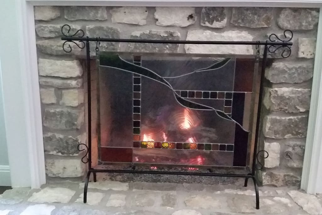 Gas fireplace (for, you know, Austin winters)