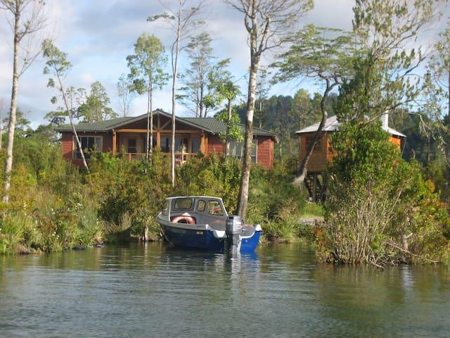 Cabaña orilla lago yelcho
