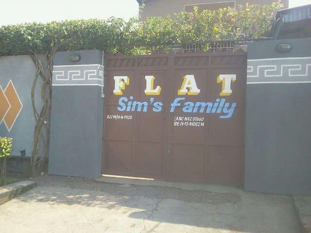 Flat SIMS' FAMILY - Kinshasa - Flat