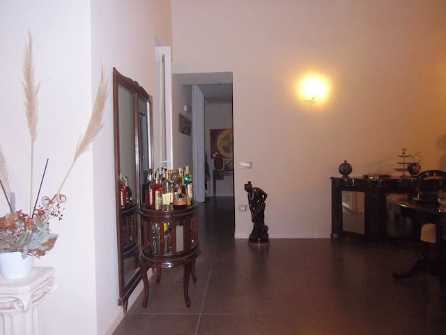 Bright room right in the center