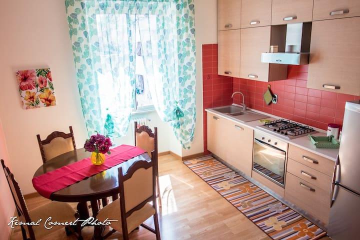 Lilla House - Colours in Monteverde - Roma - Apartment